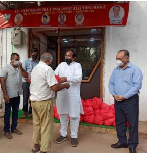 Distributed essential items to Panaji motorcycle pilots at Paryatan Bhawan & Betim-Verem motorcycle pilots at Betim along with cmde. B. B. Nagpal, CMD of Goa Shipyard Limited.